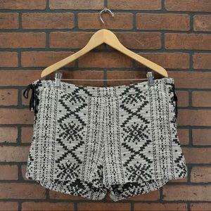 WHO WHAT WEAR Aztec Boho Lace Up Side Shorts Sz 16